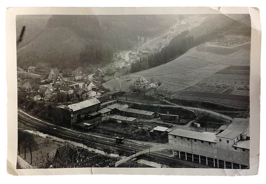 Factory premises and cable car in Schutzbach in the 1950s